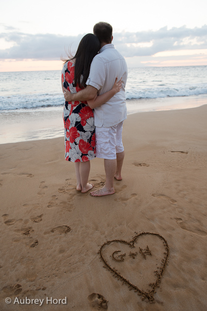 There S No Place Like Oz Our Romantic Beach Photo Shoot At Sunset In Maui