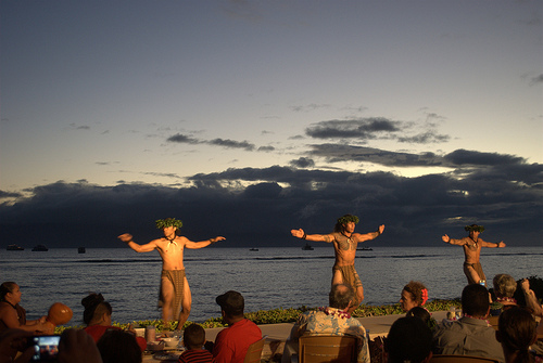 luau-male-dancers