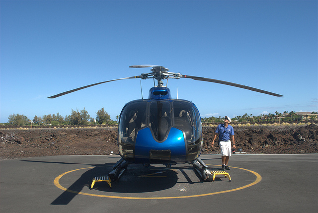 blue-hawaiian-helicopter-pilot