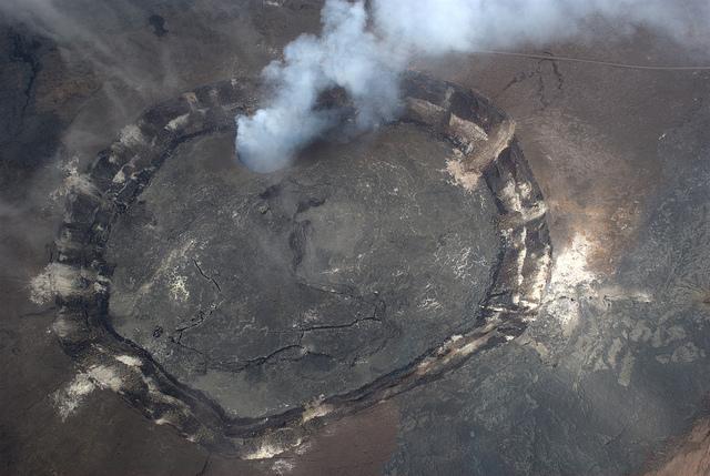 kilauea-volcano-caldera