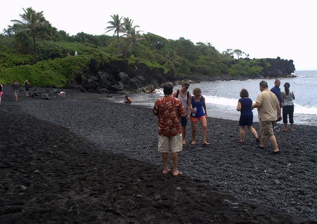 black-sand-beach-maui-road-to-hana