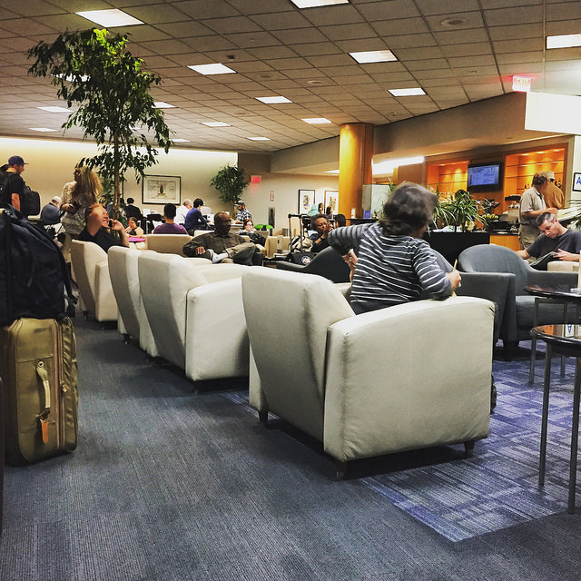 United Airlines lounge